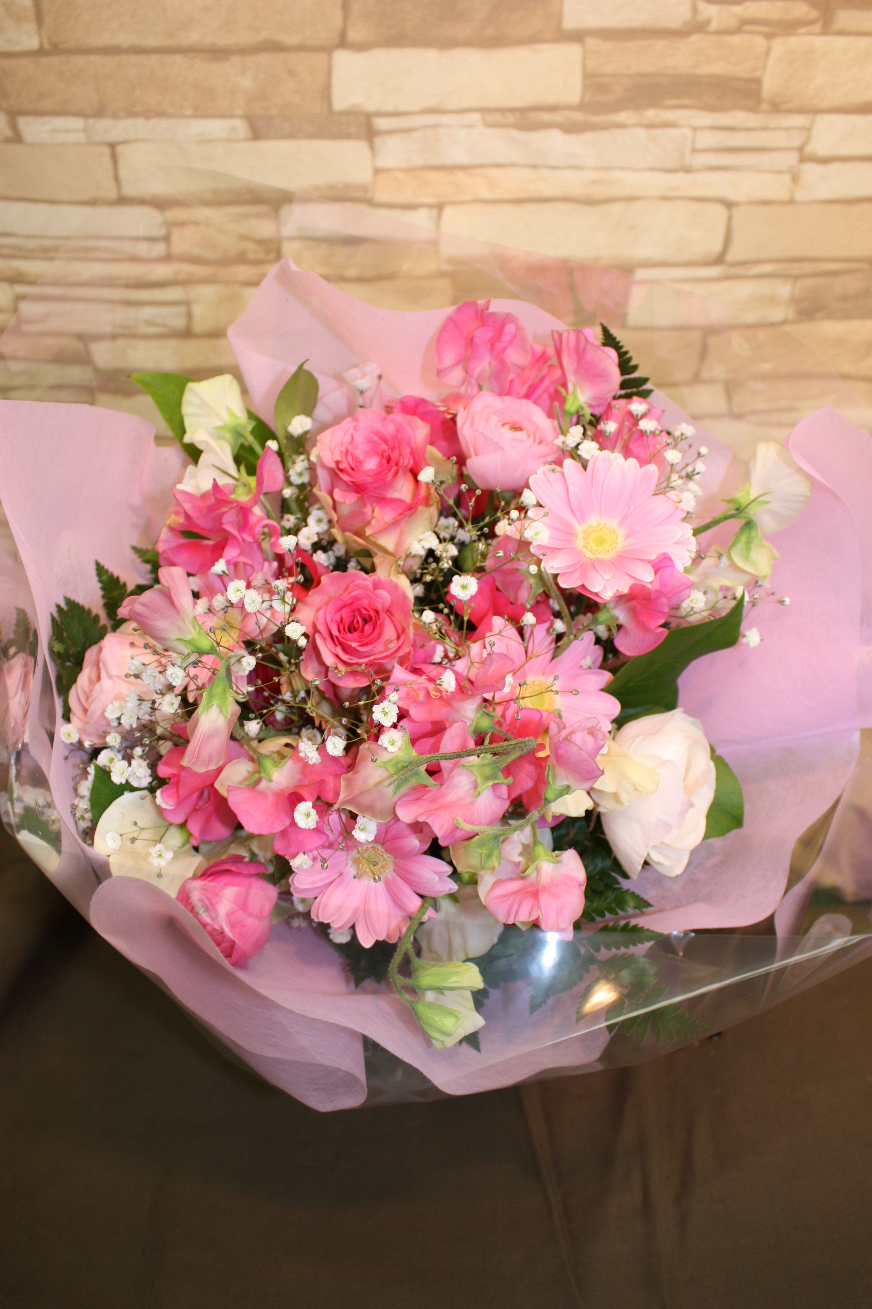 3150円のおまかせ春らしい花束